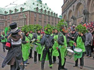Quelle: http://de.wikipedia.org/wiki/Karneval,_Fastnacht_und_Fasching#mediaviewer/File:Samba-Karneval_Bremen.JPG CC BY-SA 3.0