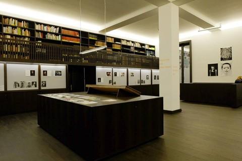katja_stuke_oliver_sieber_fax_from_the_library_2013_khb_foto_oliver_sieber
